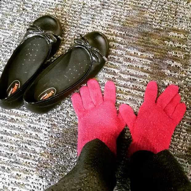 Silly Glove-Socks | NCsquared Life